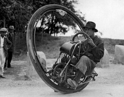 Jednokołowy motocykl wynaleziony przez włocha M  Goventosa de Udine, 1931 rok