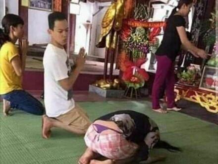Rozprasza podczas modlitwy