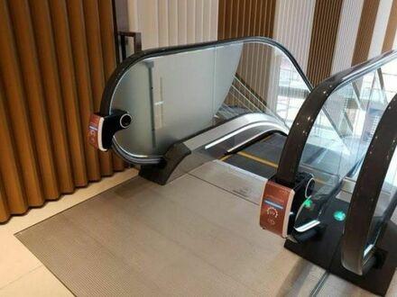 W Hong Kongu zaczęto montować bezdotykowe odkażacze do rąk działające na UV