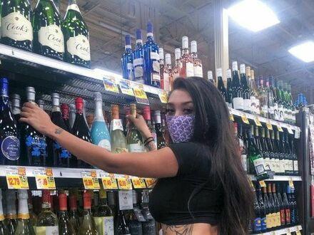 Wyskoczyła po coś do picia