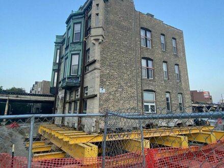 Budynek blokował budowę nowej linii kolejowej, więc go przesunięto
