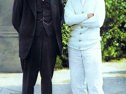 Winston Churchill z Charlie Chaplinem, 1929, koloryzowane