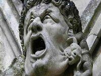 Gargulec na Katedrze w Salisbury, Wielka Brytania,  wygląda jak Sylvester Stallone