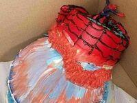 Spiderman próbował uratować tort