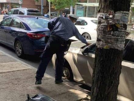 Mandat za parkowanie, przecież mógł odjechać
