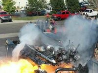 Moment eksplozji silnika uchwycony na zdjęciu