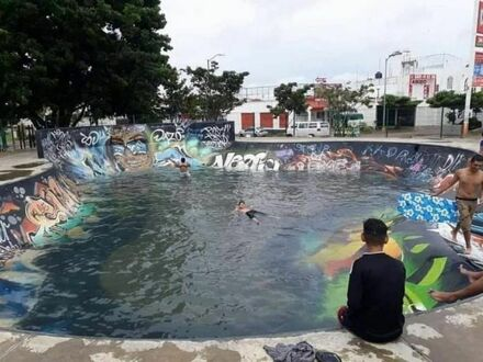 Dwa w jednym - skatepark i basen