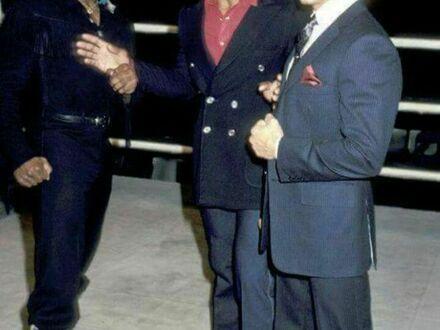 Mr. T, Karl Weathers i Sylvester Stallone na konferencji prasowej promującej Rocky III