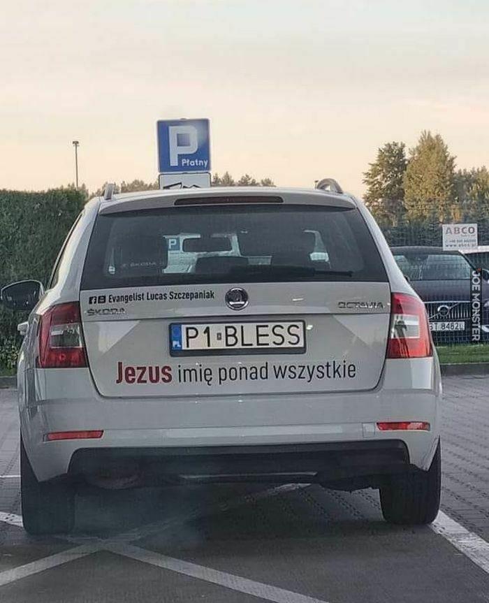 jezus imię ponad wszystkie