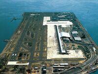 Od otwarcia w 1994 r. lotniska Kansai wybudowanego na sztucznej wyspie w Japonii, jego powierzchnia obniżyła się o ponad 11 m