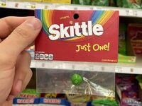 Tylko jeden Skittles