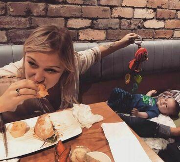 Mamusia potrzebuje chwili na obiad