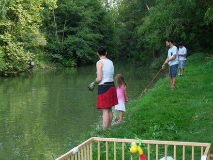 Wypad nad rzekę całą rodzinką
