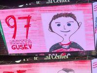 Jednak z drużyn NHL używają obrazków narysowanych przez dzieci, aby przedstawić zawodników