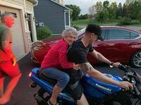 Wnusiu, weź babcie na przejażdżkę