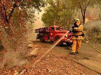 Wóz strażacki z 1942 r. nadal w służbie pomaga gasić pożary w Kalifornii
