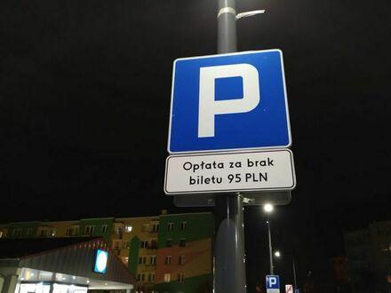 A dlaczego nie równe 100 PLN?