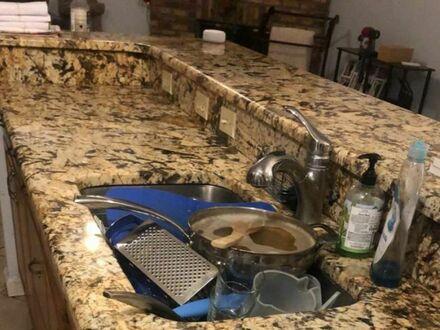 Poprosiłam męża aby posprzątał blat w kuchni