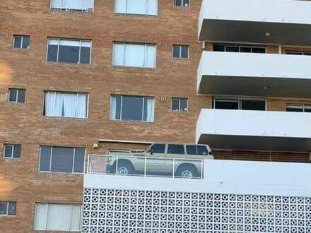 Sąsiad nie ma garażu, więc tak sobie radzi