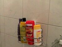 Kiedy wstajesz na ciężkim kacu, zjesz coś i idziesz pod prysznic