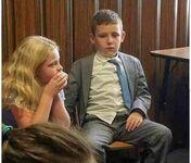 Ten dzieciak wygląda, jakby był po 2 rozwodach