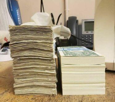 500 banknotów jednodolarowych - używane i nówki