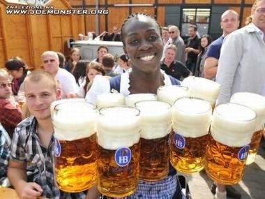 Kelnerka z Oktoberfest?