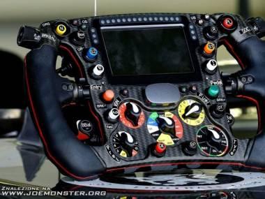 Kierownica bolidu Formuły 1 - BMW Sauber