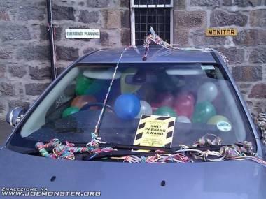 Tak u nas w biurze rozprawiamy się z pracownikami, którzy nie umieją parkować