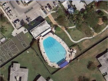 Kurde, kupiłem chatę z basenem jak kibel