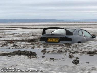 Za blisko wody zaparkował