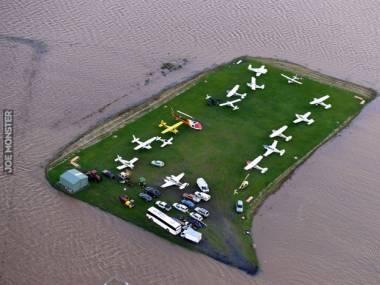 Lotnisko chwilowo jeszcze nad wodą