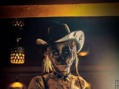 W barze zombie