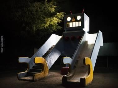 Robot na placu zabaw