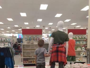 Postój tu z panem, a mama idzie robić zakupy