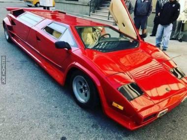 Dwa w jednym - limuzyna Lamborghini