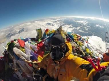 Mount Everest dzięki śmieciom wkrótce przekroczy 9000 metrów