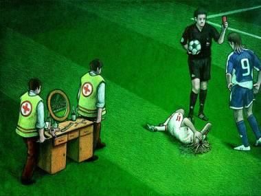 Pierwsza pomoc dla kontuzjowanego piłkarza