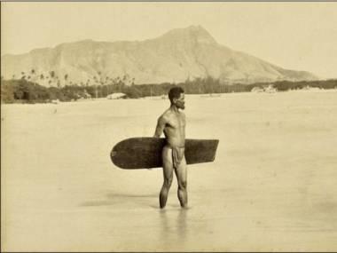 Pierwsze znane zdjęcie surfera, Hawaje, 1890 r.