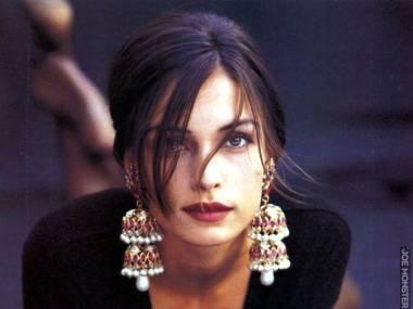 Famke Janssen pracowała w latach 90-tych jako modelka
