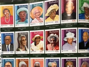 Kiedy ktoś skończy 100 lat na Barbadosie zostaje uhonorowany na znaczkach pocztowych
