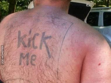 Tatuażysta był niezłym dowcipnisiem