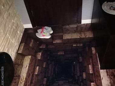 Kto odważny przejdzie się po tej podłodze