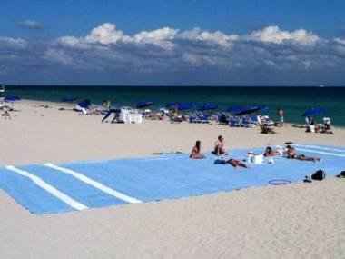 Jak nie parawanem to inaczej zaklepie sobie miejsce na plaży
