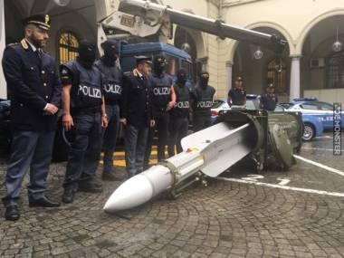 Policja zrobiła nalot na ultrasów Juventusu. Odkryli mnóstwo karabinów, pistoletów i je*aną rakietę ziemia-powietrze
