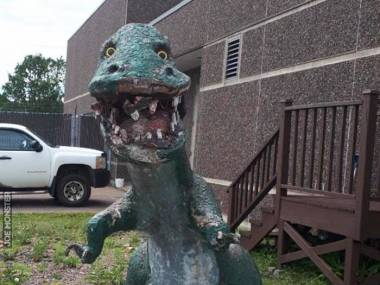 Dino strasznie się zaniedbał