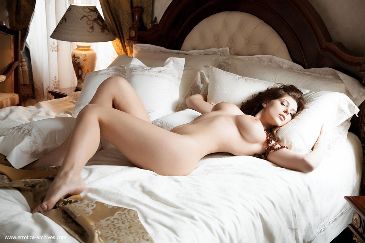 В постели голая — img 10