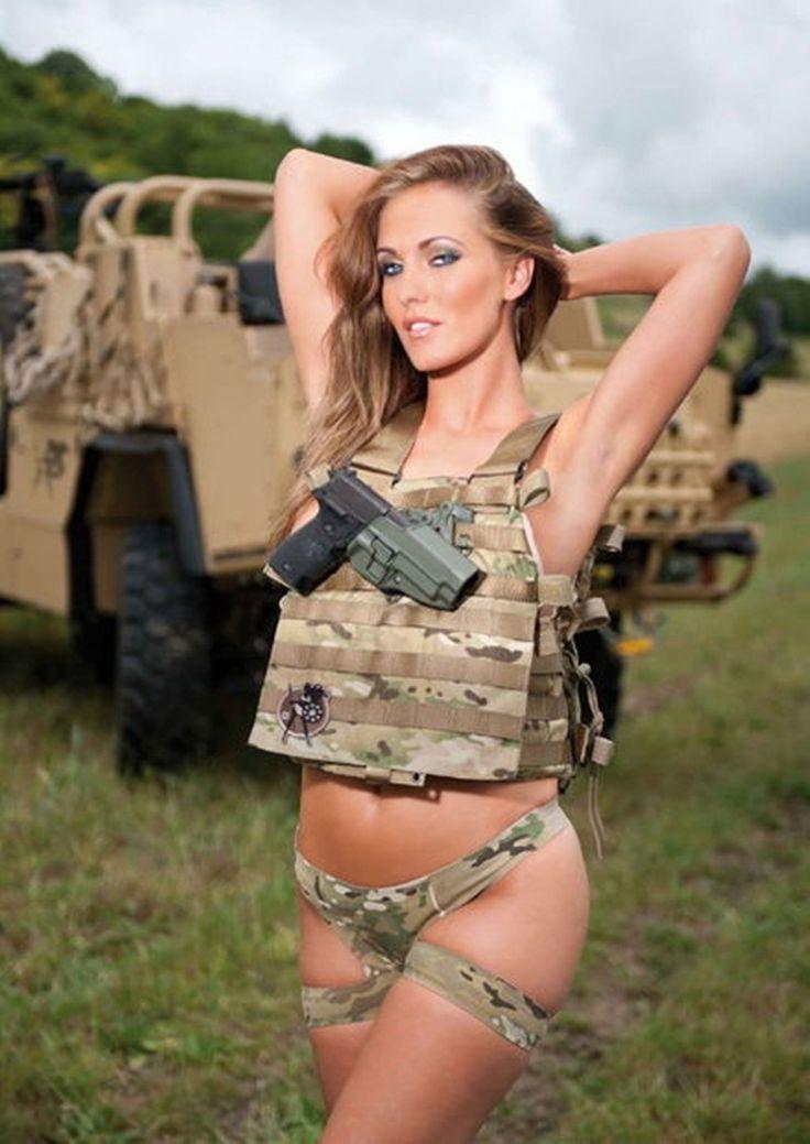 девушку в военной форме ебутся русские меня сынок